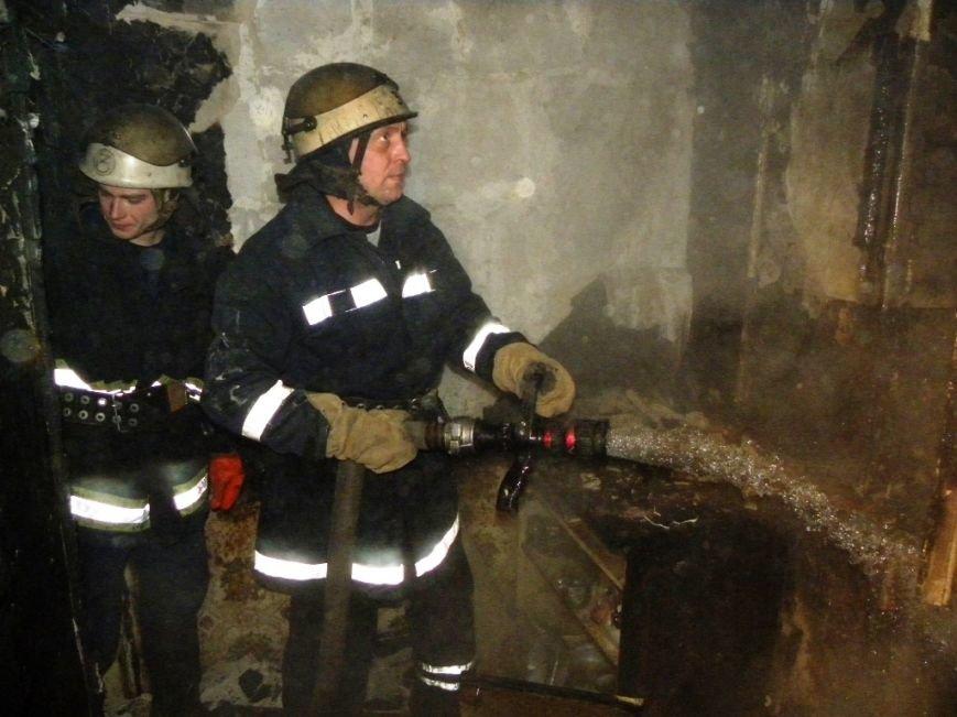В Чернигове ночью горела 5-этажка. Погиб человек, фото-1