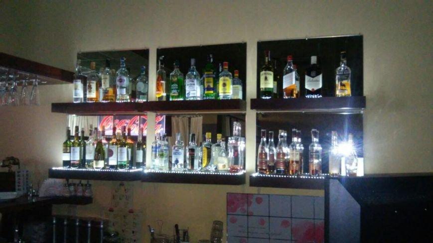 В каменском бильярдном клубе изъяли алкоголь без лицензии, фото-2