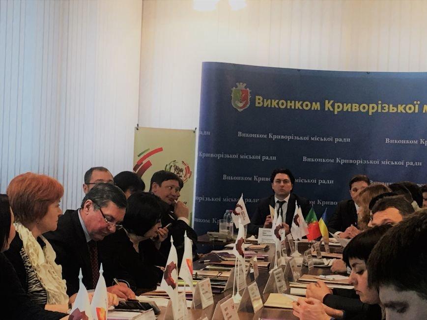 За круглым столом обсудили как развивать промышленный туризм и чем заманить людей в Кривой Рог (ФОТО), фото-14