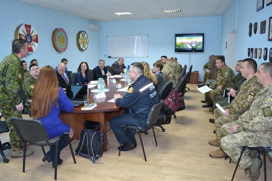 У Кам'янці представники Агенції НАТО беруть участь у семінарі зі знешкодження вибухонебезпечних предметів, фото-2