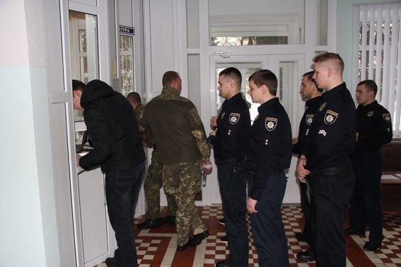 Черниговские полисмены сдали кровь для раненых бойцов, фото-1