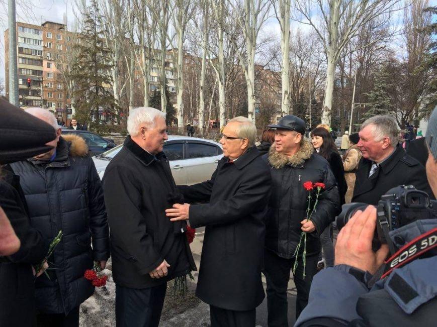 Юрий Вилкул: Поздравляю вас с 73-й годовщиной освобождения нашего родного, любимого города от немецко-фашистских захватчиков (ФОТО), фото-8