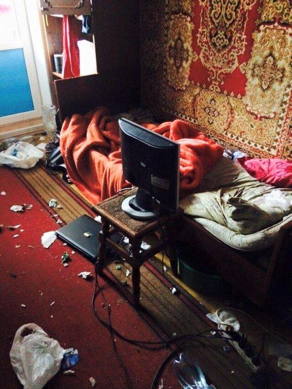 В Киеве мальчика-сироту держали в комнате-свалке (ФОТО), фото-2