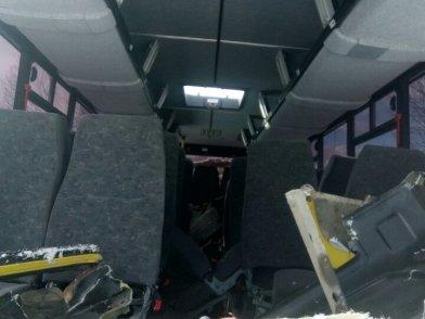 На Камчатке пассажирский автобус влетел в лесовоз – пострадали 22 человека, фото-4
