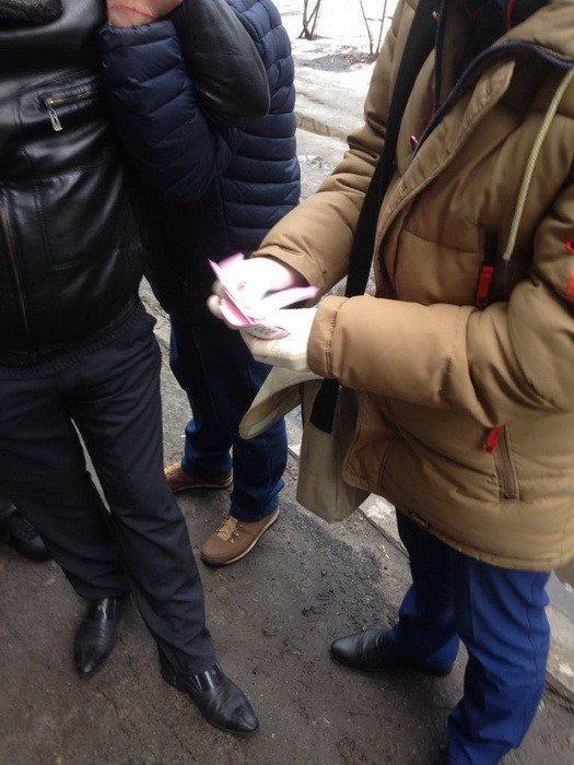 На Днепропетровщине полицейский попался во время торговли наркотиками (ФОТО), фото-5