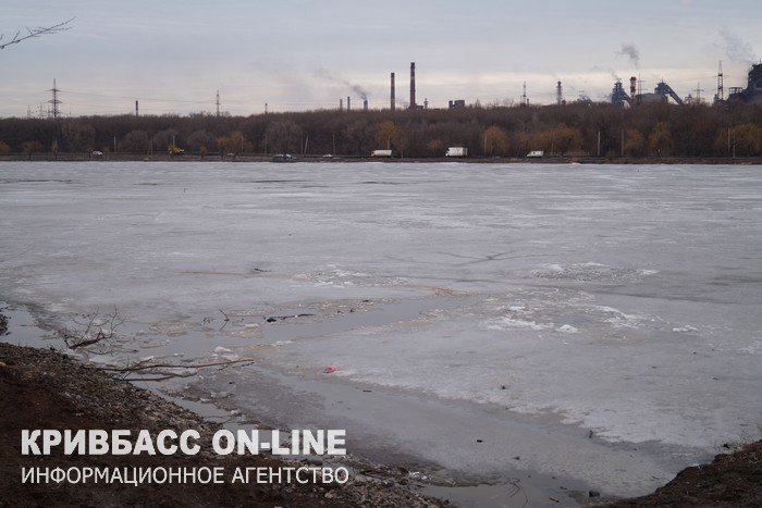 В Кривом Роге двое рыбаков провалились под лед. Одного мужчину спасти не удалось  (ФОТО, ВИДЕО), фото-8