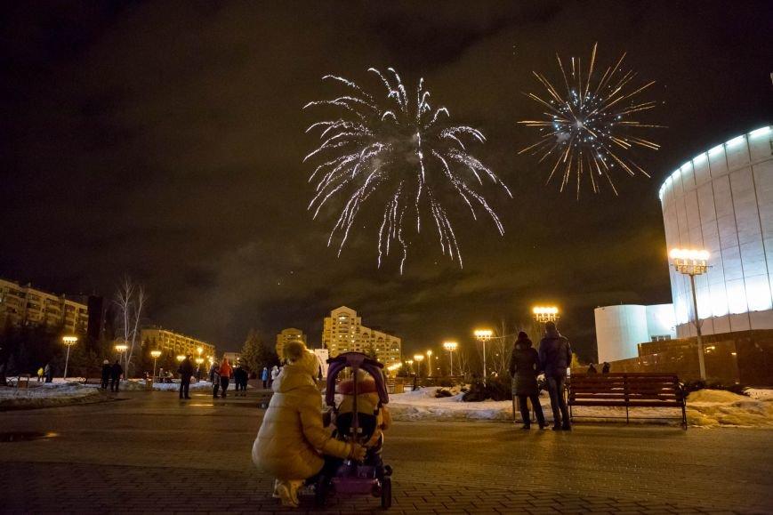 День защитника Отечества завершился фейерверком в парке Победы, фото-8