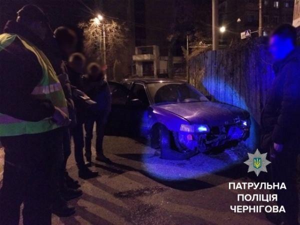 В Чернигове из-за гололеда случилась авария, фото-2