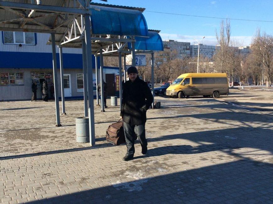 Жизнь на 2 дома: для чего в Мариуполь едут жители оккупированных городов Украины (ФОТО+ВИДЕО+ИНФОГРАФИКА), фото-5