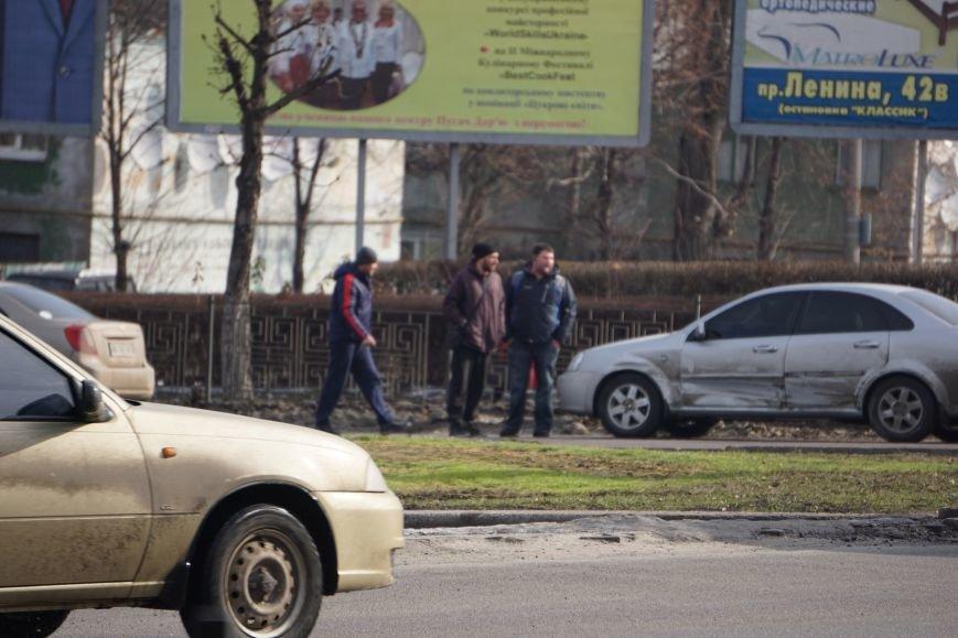 В центре Каменского произошло ДТП, фото-2