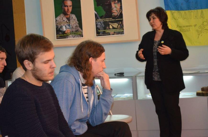 В музее показали документальный фильм об оккупации Крыма, фото-3
