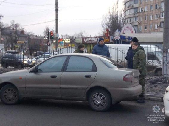 В Кривом Роге рядовой гражданин отобрал у пьяного хулигана гранату, фото-1