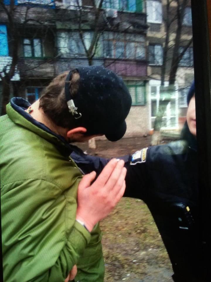 В Мариуполе находчивая сотрудница  аптеки помогла задержать грабителя (ФОТО), фото-3