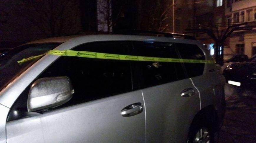 В Одессе машины невоспитанных водителей обклеят скотчем с презервативами (ФОТО), фото-2
