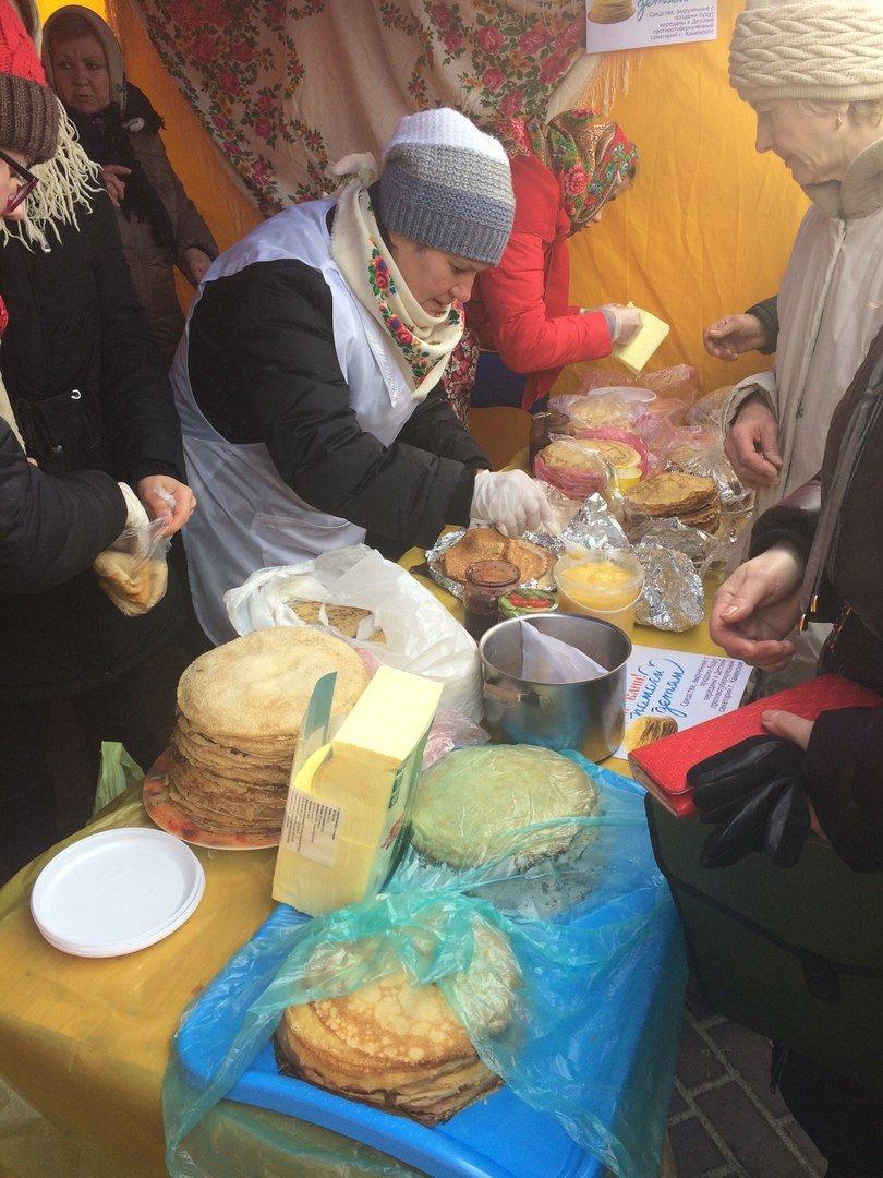 На Соборной площади Каменского прошла ярмарка, посвященная Масленице, фото-6