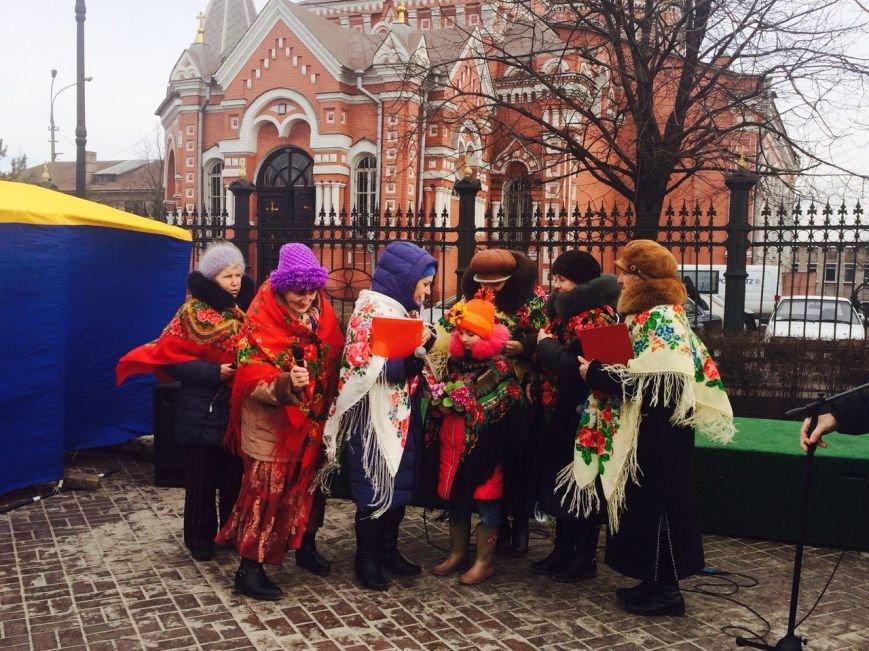 На Соборной площади Каменского прошла ярмарка, посвященная Масленице, фото-4