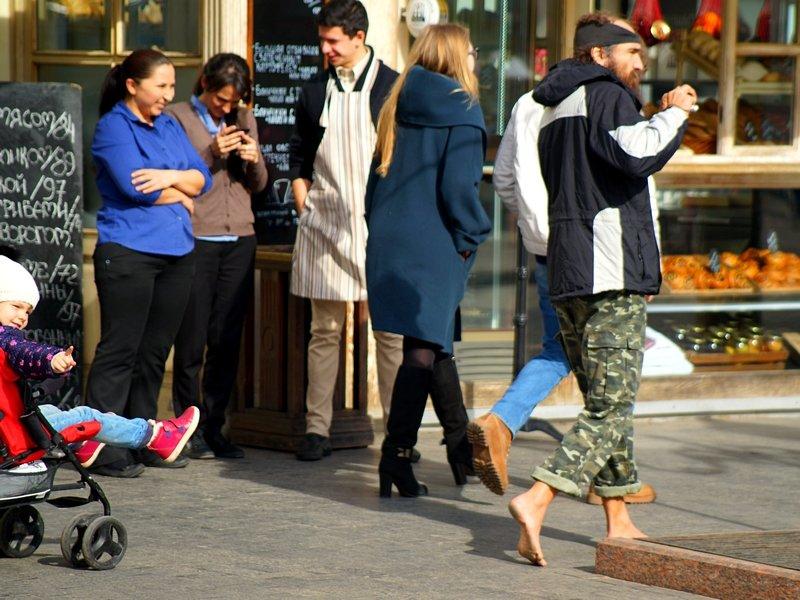 Уникал прошелся босиком по февральской Дерибасовской (ФОТО), фото-3