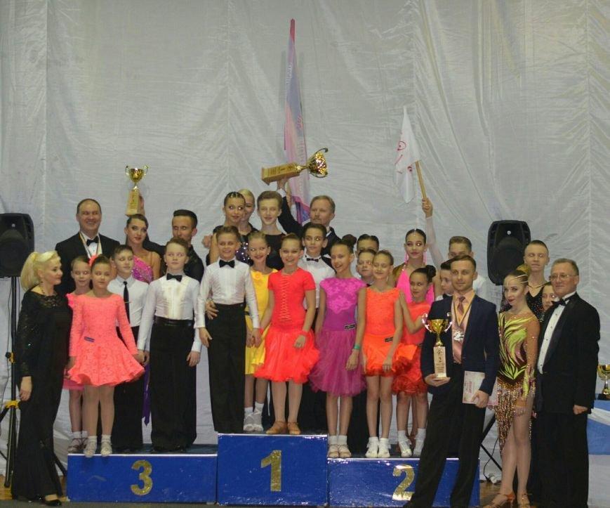 Танцоры завоевали кубки на всеукраинских соревнованиях по спортивным танцам, фото-8