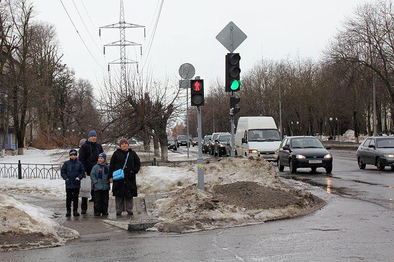 «Ну, там же зелёный!». Полицейские учат белгородцев переходить дорогу по-новому, фото-4