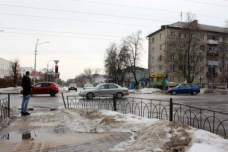 «Ну, там же зелёный!». Полицейские учат белгородцев переходить дорогу по-новому, фото-1