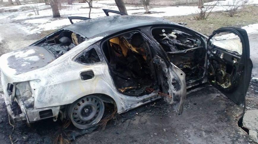 В Каменском снова сожгли машину редактору газеты, фото-2