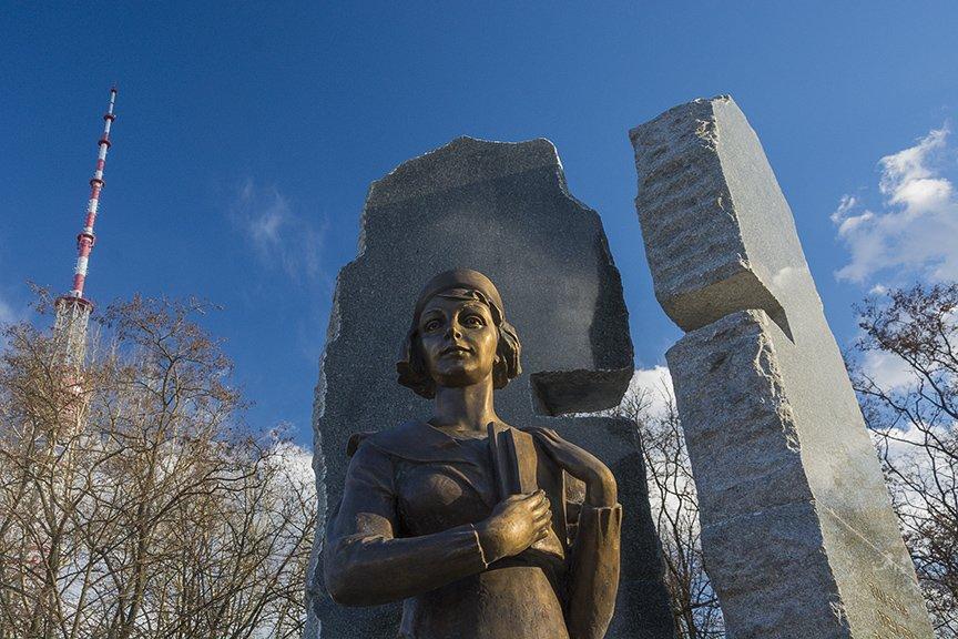 В Киеве открыли памятник Телиге (ФОТО), фото-2