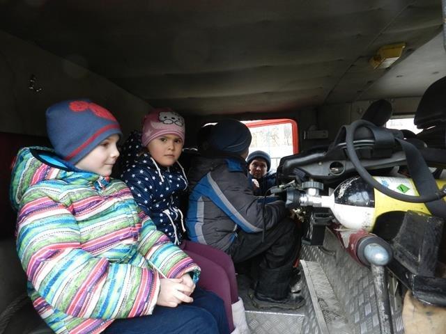 До херсонських рятівників завітали переселенці (фото), фото-2