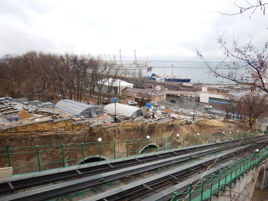 Потемкинская лестница стала проседать, - общественник (ФОТО), фото-1