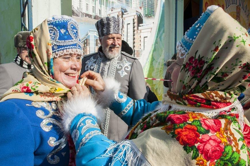 Белгородцы попрощались с зимой и сожгли Масленицу. Фоторепортаж, фото-4