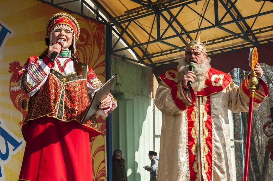 Белгородцы попрощались с зимой и сожгли Масленицу. Фоторепортаж, фото-3