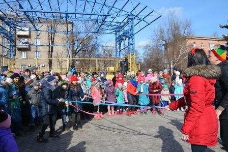 Мариупольцы  в каждом районе наелись блинов и  широко проводили зиму (ФОТО), фото-5