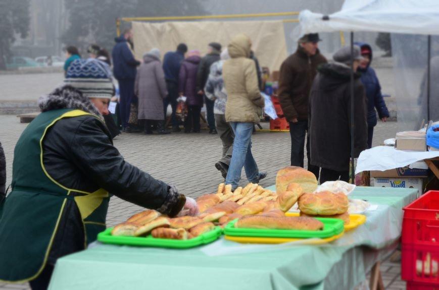 Мариупольцы  в каждом районе наелись блинов и  широко проводили зиму (ФОТО), фото-3