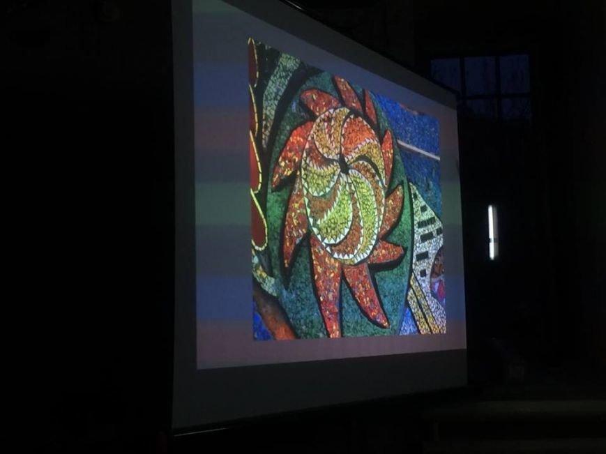 Мариупольцы решали, нужно ли декоммунизировать  мозаики советского периода  (ФОТО), фото-2