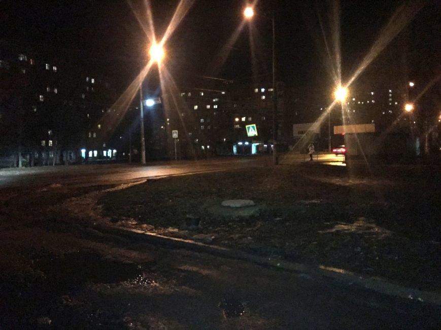 "Вместе со снегом в Кривом Роге ""испарились"" крышки люка (ФОТО), фото-3"