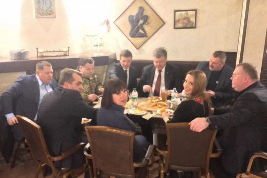 Президент в Днепре пообедал в знаменитой Pizza Veterano (ФОТО), фото-2