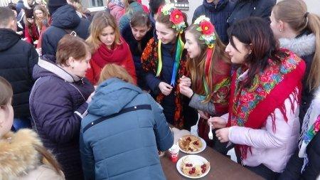 Як святкували масляну у Новоград-Волинському медичному коледжі (ФОТО), фото-4