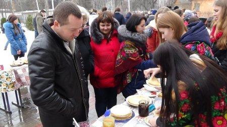 Як святкували масляну у Новоград-Волинському медичному коледжі (ФОТО), фото-7