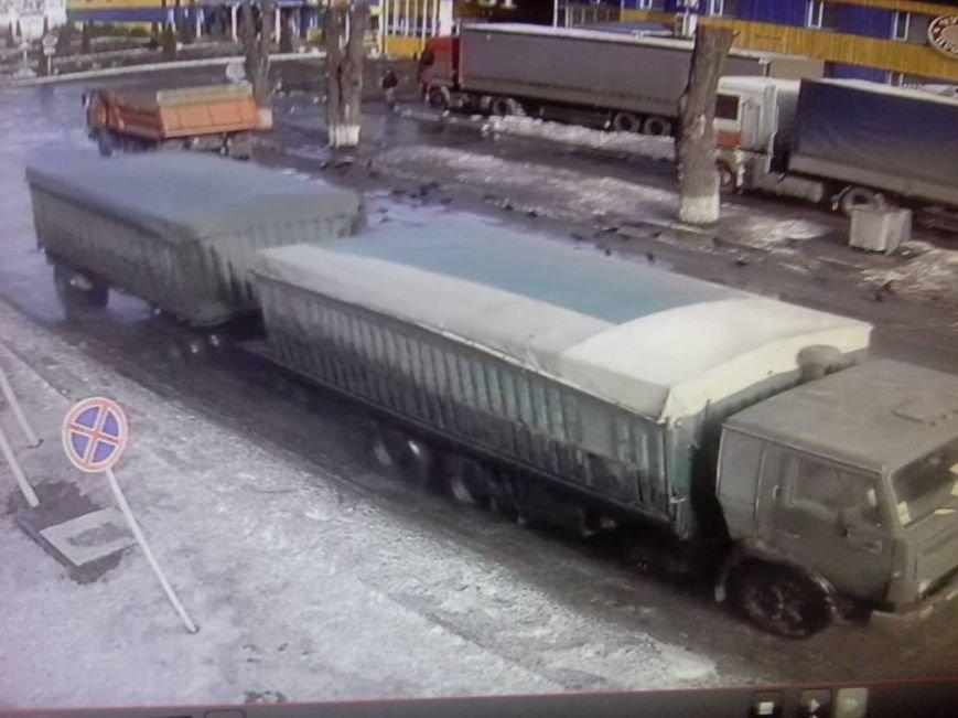 На Полтавщині розшукують водія, який зник разом з робочим КаМАЗом, фото-3