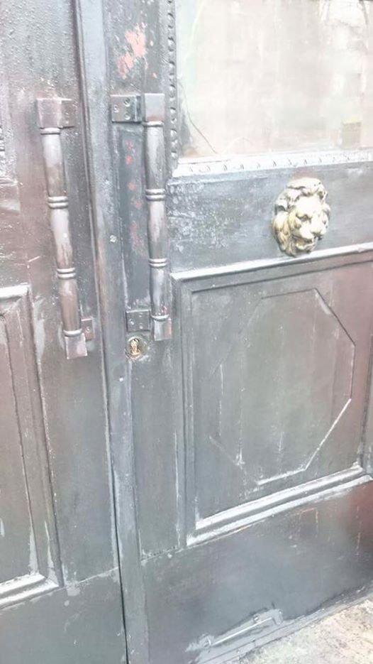 В Киеве неизвестные подожгли двери Института нацпамяти (ФОТО), фото-1