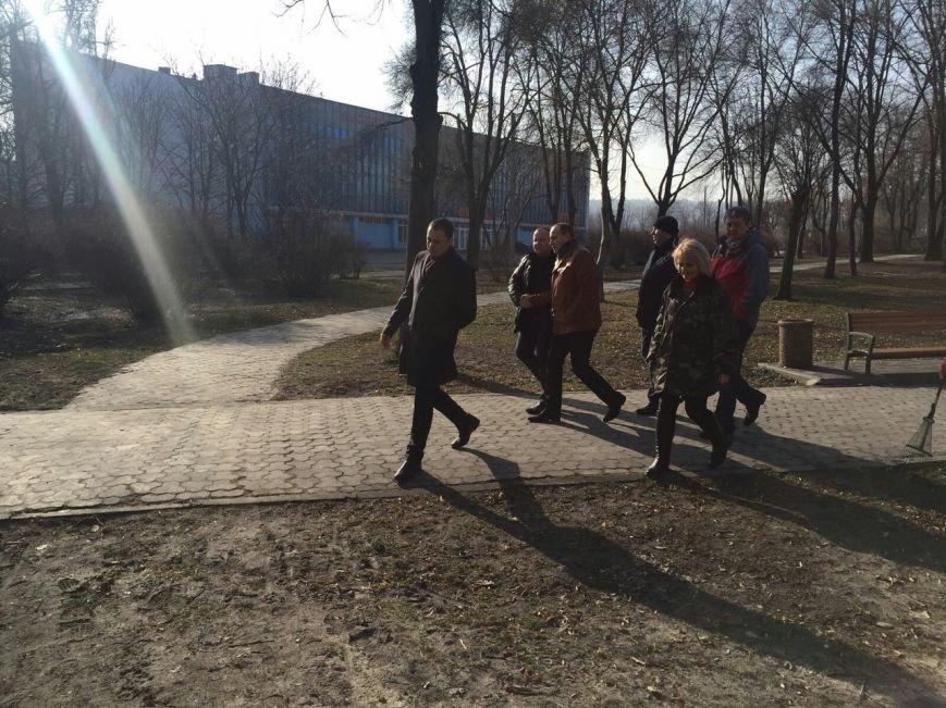 Мэр Каменского проверил состояние городских скверов и парковых зон, фото-3