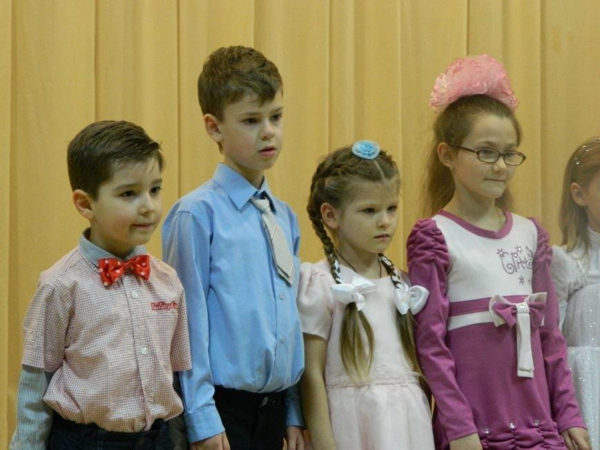 Воспитанники Детской школы искусств Черноморска встречали весну (фото), фото-1