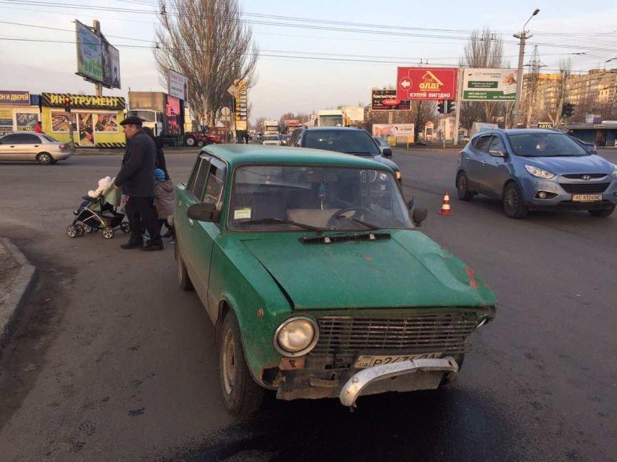 """В Днепре столкнулись """"BMW"""" и """"ВАЗ"""" (ФОТО), фото-3"""