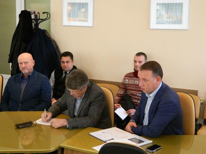 Депутаты Черноморского городского совета обратятся в Кабинет министров Украины с просьбой повлиять на критическую ситуацию в порту Черномо..., фото-1