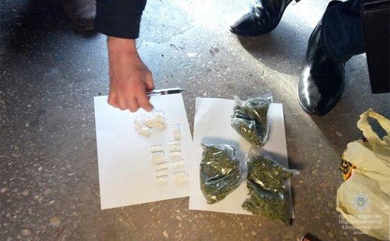 На Днепропетровщине задержали наркотоговца с опасными веществами (ФОТО), фото-1