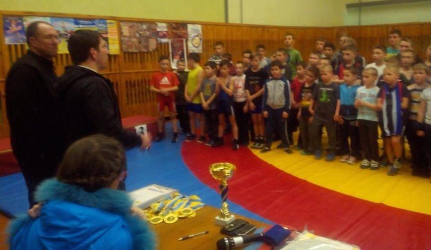 У Новоград-Волинській ЗОШ № 10 відбувся юнацький турнір з вільної боротьби, фото-1