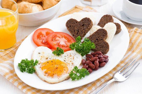 «Завтрак в постель, днем шопинг и ужин в ресторане»: идеальное 8 Марта по версии женщин Полоцка и Новополоцка, фото-4
