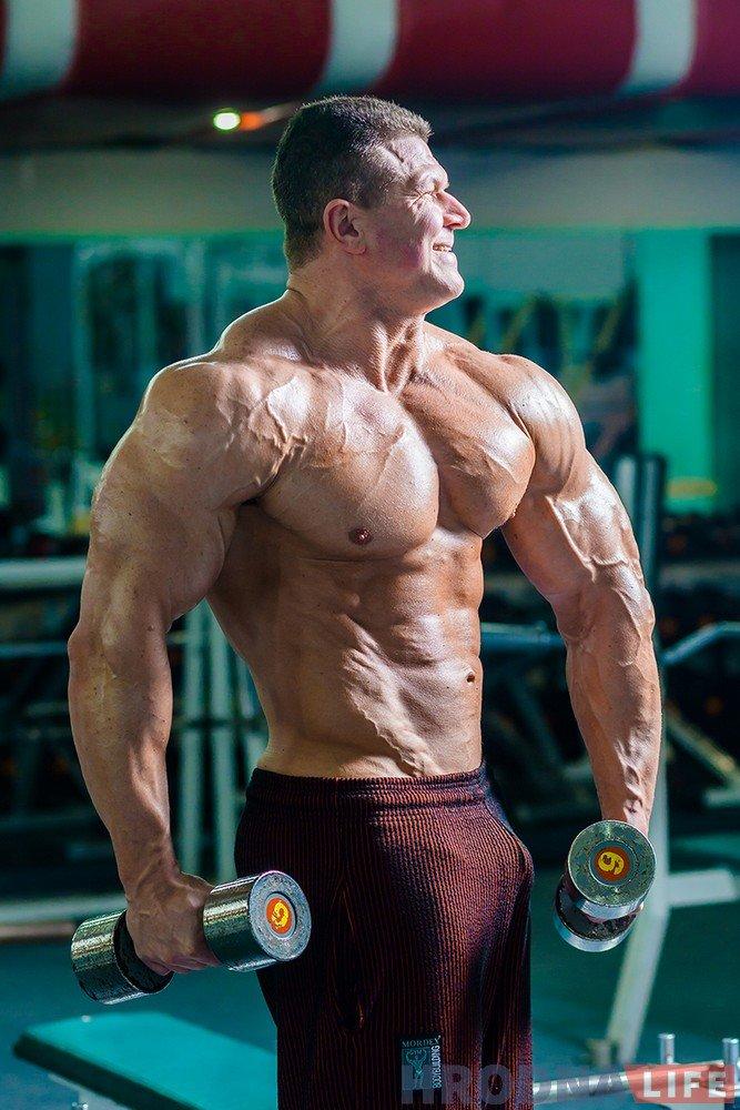 bodybuilder-45-oleg-ryishkevich-003