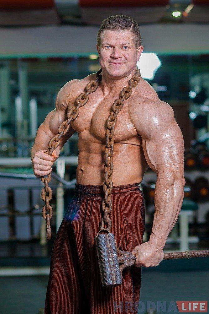 bodybuilder-45-oleg-ryishkevich-006