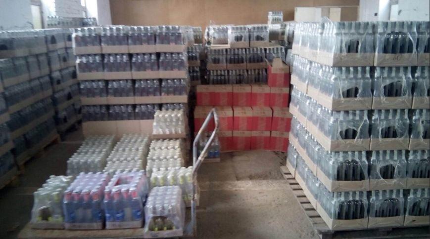 На Херсонщині СБУ вилучила контрафактну горілку на більше ніж 1,5 млн гривень (фото), фото-1