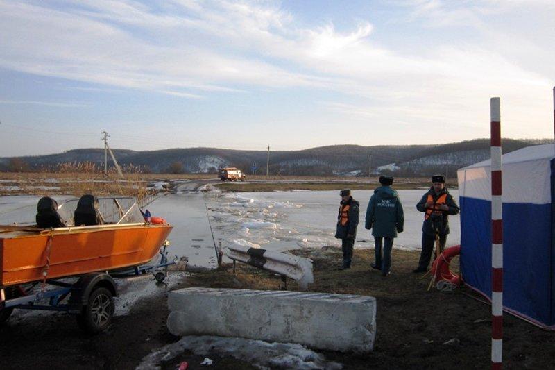 Река Оскол затопила мост, фото-3